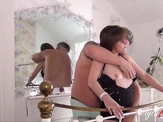 Gleefully spoken for bitch loves having sex thither her scalding husband