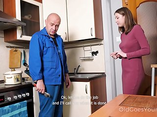 Babe pays a plumber in a special way and that cute girl just loves to fuck