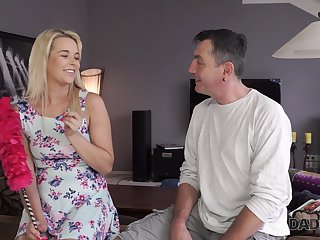 Cute pie stepdaughter doesn't be cautious having sex with experienced stepdad