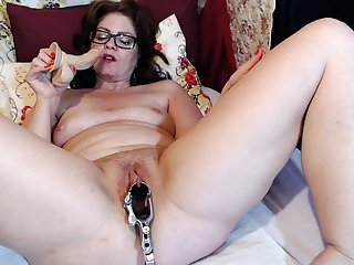 Of age Dominika old pussy gaping and masturbation