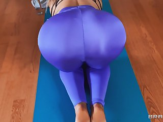 Nude MILF stranded increased apart from fucked apart from the son during the morning workout