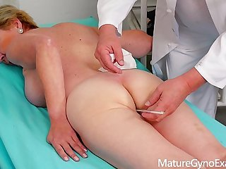 Old pussy going-over of perishable blonde granny