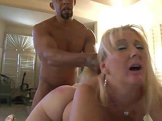 GILF Kayla Enjoys A BIG BLACK Load of shit Creampie