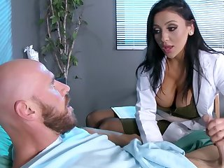 Male patient is made to feel much better thanks to gaffer doc Audrey Bitoni