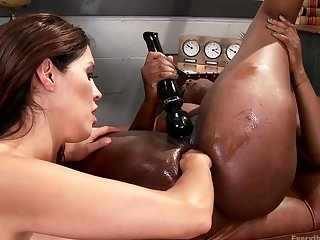Ebony lesbian deep anal fisted