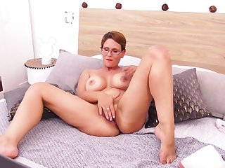 Sandy Lou - Is One Kinky Milf Babe Webcam Undertaking