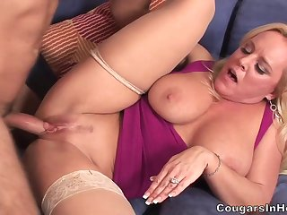 Mother I´d Like To Fuck Alexis Golden Is In Heat - alexis golden