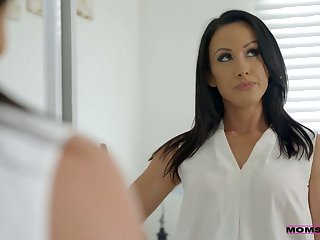 Whorish stepmom Jennifer White gives a blowjob to her step son and his order of the day fellows