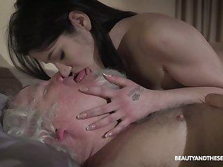 Kinky geezer fucks seductive brown Emily Brix and licks her yummy pussy