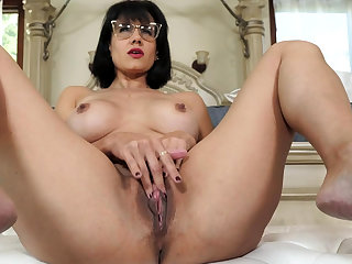 Adult stepmother masturbating vanguard of stepson