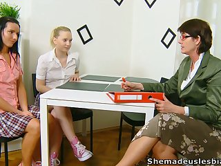 Lewd chick Masha is actually into working on wet pussy before mature teacher